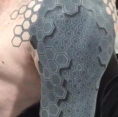 """(Photo: toesboo/Instagram ) It's hard to choose just one thing that makes this tattoo so awesome: its multilayered, three-dimensional appearance; its resemblance to the drone-like Borg on """"Star Trek: The Next Generation""""; or the fact it's gotten the stamp of approval from one of the most famous artists"""