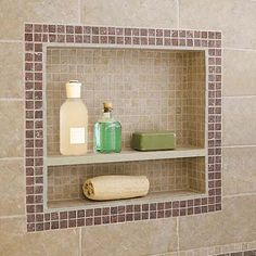 Niche - same tone inside as on wall - framed with deco stip