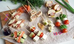 7 enkle tapas-retter til 17. mai på 30 sekunder | EXTRA Tapas, I Want To Eat, Holidays And Events, Lchf, Delish, Food And Drink, Favorite Recipes, Snacks, Baking