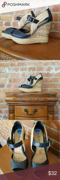 NWT Mia Wedge Beautiful!  Cork,  hemp and navy blue leather!   Just walking in platform and wedge style! Shoes Wedges