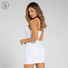 Vestidos con siluetas ajustadas para lucir perfecta White Dress, Bodycon Dress, Dresses, Fashion, Shopping, Body Con Dress, Long Skirts, Silhouettes, Curves