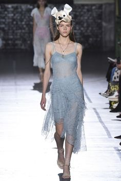 Awesome John Galliano - Spring 2017 Ready-to-Wear... Gowns & Couture Check more at http://fashionie.top/pin/31645/