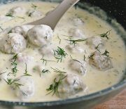 Perisoare in sos de smantana Baby Food Recipes, Dinner Recipes, Cooking Recipes, Good Food, Yummy Food, Tasty, Romanian Food, Romanian Recipes, Desert Recipes
