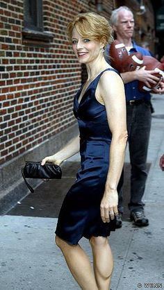 Here is Jodie Foster in a number of dresses and we can see how short legged she is, especially in the photo from behind. Jodie Foster, The Fosters, Japanese School Uniform Girl, Jodie Marsh, The Brave One, British Academy Film Awards, Long Torso, Famous Stars, Short Legs