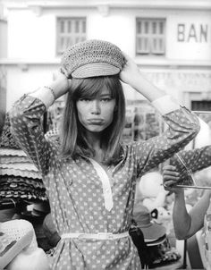 For Francoise Hardy Françoise Hardy, Style 60s, Style Icons, 60s Icons, 70s Hats, Rock And Roll Girl, Babe, Sweaters And Jeans, Female Singers