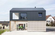 Kombinerat boende av Fabian Evers, foto av Sebastian Berger, #arkitektur i #trä