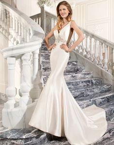 Glam Glitter Wedding Theme_DemetriosBride in wedding dress style C206