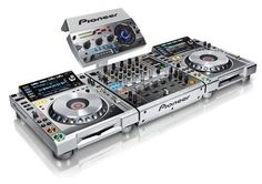Pioneer CDJ2000 Nexus M  DJM900 Nexus M  RMX1000 M Platinum Bundle  Ltd Edit.