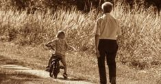 A nagyszülők soha nem halnak meg. Ott maradnak, ahol nem is gondolnánk, hogy megtalálhatjuk őket