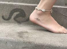 18 Small Meaningful Tattoos That Are Dainty AF – – foot tattoos for women Dainty Tattoos, Trendy Tattoos, Cute Tattoos, Small Tattoos, Wave Tattoo Foot, Simple Wave Tattoo, Simple Tats, Foot Tattoos Girls, Foot Tattoos For Women