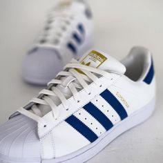 big sale b0672 d9fbd Uñas Azules, Adidas Superstar