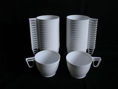 Set of 30 Plastic White Coffee / Tea Mugs for Party Supplies 170ml (6 oz) New