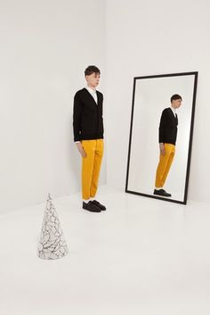 I-S Art direction, set design and packaging for the Christophe Lemaire collection in collaboration with Bean Pole. 2012 ...