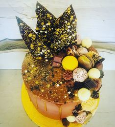 Chocolate & caramel drip cake