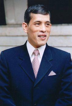 ประมวลภาพ สมเด็จพระเจ้าอยู่หัว รัชกาลที่ 10 - thairath.co.th King Of Kings, My King, King Queen, King Rama 10, King Thailand, Bhumibol Adulyadej, Asian American, Prince And Princess, Portrait