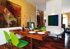 Fotogalerie: Pavlač zapojená do obytného prostoru nabízí místo k relaxaci.