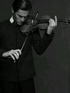Violin. Let me be this wonderful someday..... <3