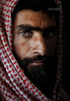 That Stare VI - Thanks for looking Pretty Eyes, Beautiful Eyes, Beautiful People, World Photography, Portrait Photography, Naher Osten, Arabian Beauty, Face Expressions, Male Figure