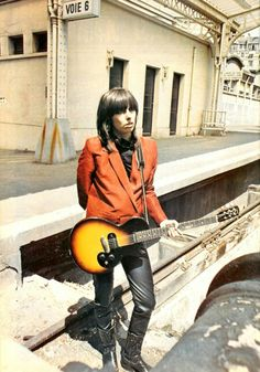 Chrissie Hynde of the Pretenders, showing some early counter-culture with mod stylings. Good Music, My Music, Photo Rock, Chrissie Hynde, The Pretenders, Women Of Rock, New Wave, Guitar Girl, Women In Music