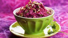 Замечательная подборка салатов из свеклы. Сохрани у себя и пользуйся!