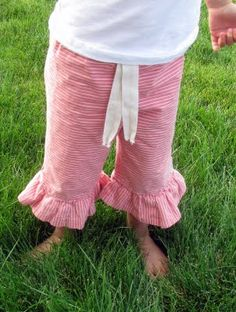 The Life of a Cheap Chickadee: Ruffle Pants Tutorial...... (finally)