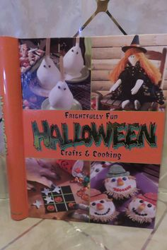 Frightfully Fun HALLOWEEN Crafts & Cooking Kids and Adults 160 pages Spiral Book