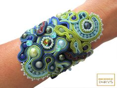 """""""Meadow"""" bracelet with Swarovski crystals TWIN, synthetic pearls, agate, amethyst, Austrian crystals and Rocailles beads. Soutache Bracelet, Soutache Jewelry, Cuff Bracelets, Swarovski, Beads, Etsy, Amethyst, Ideas, Bracelet"""