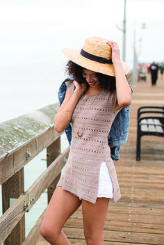 This long, chic tank features simple shaping and pretty patterning created with bands of linked double crochet stitches. It's perfect for a day at the beach. Interweave Crochet, Tunisian Crochet, Crochet Stitches, Knit Crochet, Crochet Summer, Double Crochet, Crochet Vests, Crochet Motif, Crochet Bodycon Dresses