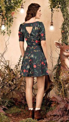 Kurti Sleeves Design, Sleeves Designs For Dresses, Kurta Neck Design, Dress Designs, Silk Saree Blouse Designs, Kurta Designs, Elegant Dresses, Casual Dresses, Fashion Dresses