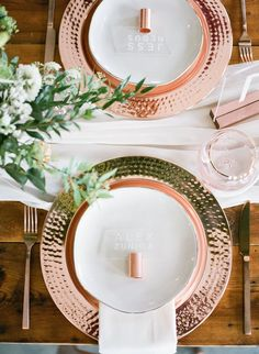 Rustic Wedding Styles Inspired by Copper Copper Wedding Decor, Rustic Wedding, Elegant Wedding, Diy Wedding, Rose Gold Charger Plates, Wedding Plates, Wedding Charger Plates, Barn Wedding Venue, Wedding Table Settings
