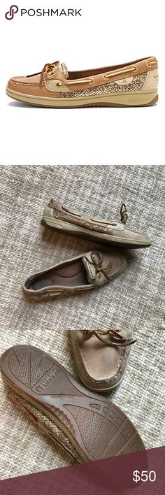 Sperry Angelfish Glitter Boat Shoes Classic angelfish style in linen and gold glitter. Good used condition with minimal wear Sperry Top-Sider Shoes Flats & Loafers