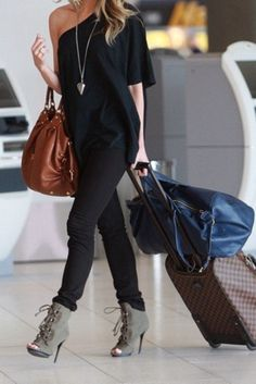Pinned this look before…she looks absolutely gorgeous for traveling. But here her head is cut of unfortunately. The CupcakeCartel: How to: Wear Ankle Boots