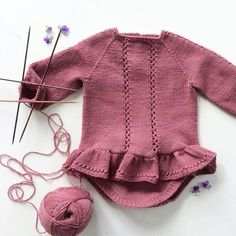 Diary Irina_Repeynik: LiveInternet - Russian Service of Online Diaries Crochet Girls, Crochet Baby, Knit Crochet, Knitting For Kids, Baby Knitting Patterns, Tricot Baby, Baby Barn, Knitted Baby Clothes, Baby Sweaters