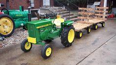 Looks good Lifted John Deere Garden Tractors, Lawn Tractors, John Deere 318, Pedal Tractor, Lawn Mower, Cubs, Bicycle, Racing, Dreams