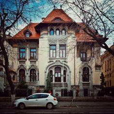 Vilă neoromânească superbă / amintiri de astă-iarnă / b-dul Dacia  Source: Bucuresti Realist. Toate drepturile rezervate