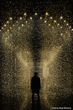 Light is Time, The 80,000 Movement Plate of Watches Suspended In The Air