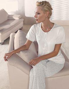 Artış 1306 Bayan Pijama Takım #markhacom #newseason #fashion #kadın #moda #yenisezon #stil #pijama #pijamatakımı #sonbahar #pierrecardin #kış #alışveriş #yılbaşıalışverişi #yılbaşıpijaması #pajamas #christmasshopping #sleepwear
