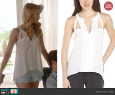 Petra's white cutout top on Jane the Virgin.  Outfit Details: http://wornontv.net/41790/ #JanetheVirgin