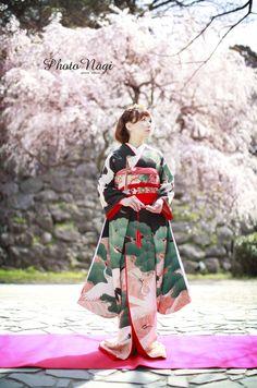 """""""鶴と松""""の渋い柄  黒振り袖  洋風 ヘッドドレス 和ウェディング"""