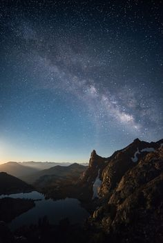 Milky Way over Minaret Lake | California (by Clay Carey)