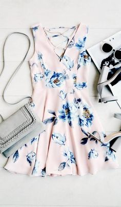 Dance gracefully through the flowers in the Garden Walk Blush Pink Floral Print Lace-Up Skater Dress! A cute floral print skater dress with a lace-up back. Casual Dresses, Casual Outfits, Cute Outfits, Fashion Outfits, Fashion Trends, Floral Dresses, Dress Fashion, Style Fashion, Pink Floral Dress