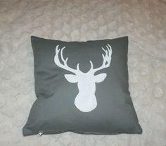 poduszka z jeleniem pillow with a deer