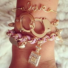 Handcuffs On Wrist Jewelry Accessories, Fashion Accessories, Jewelry Design, Fashion Jewelry, Fashion Fashion, Cute Jewelry, Jewelry Box, Jewelery, Girly Things