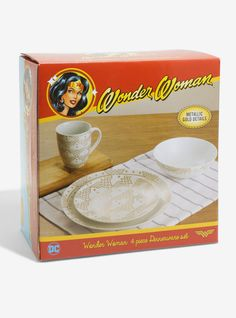 Comic Book Dinnerware Sets : Wonder Woman Dish Set
