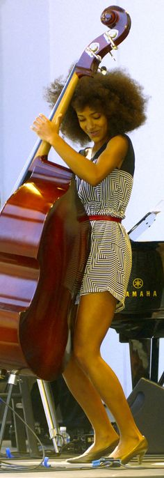Esperanza Spalding...Ahhhh...sexy, such talent!