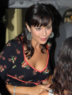 Catherine Bell - Page 210 Katherine Bell, Female Body Photography, Beautiful Celebrities, Beautiful Women, Lisa Bell, Brunette Actresses, Female Movie Stars, Belle Hairstyle, Cute Dress Outfits