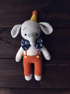 PDF Маленькие слоники. Бесплатный мастер-класс, схема и описание для вязания игрушки амигуруми крючком. Вяжем игрушки своими руками! FREE amigurumi pattern. #амигуруми #amigurumi #схема #описание #мк #pattern #вязание #crochet #knitting #toy #handmade #поделки #pdf #рукоделие #слон #слоненок #слоник #слониха #elephant