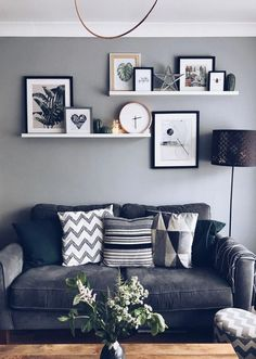 Cheap & Easy Ways To Create A Personalised Gallery Living Room Decoration living room wall decor ideas Living Room Wall Designs, Living Room Shelves, Living Room Modern, Home Living Room, Living Room Furniture, Small Living, Ikea Wall Shelves, Apartment Living, Floating Shelves