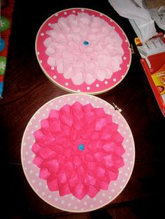 cute flower wall decor (felt, fabric and and embroidery hoop)