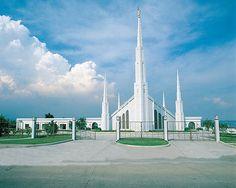 I like this  Mormon Temple Manila Philippines / http://www.dancamacho.com/mormon-temple-manila-philippines/